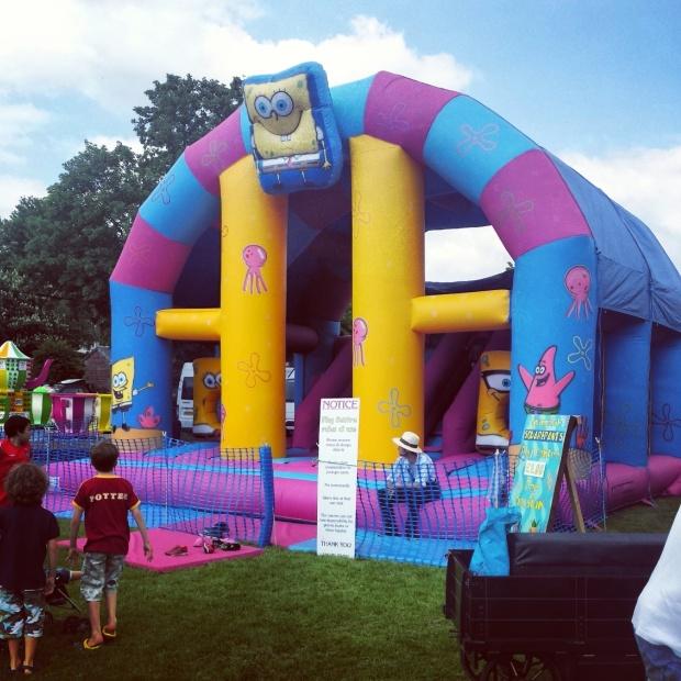 bouncy-castle-sponge-bob