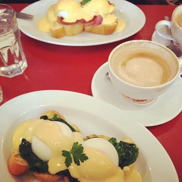 eggs-florentine-and-eggs-benedict