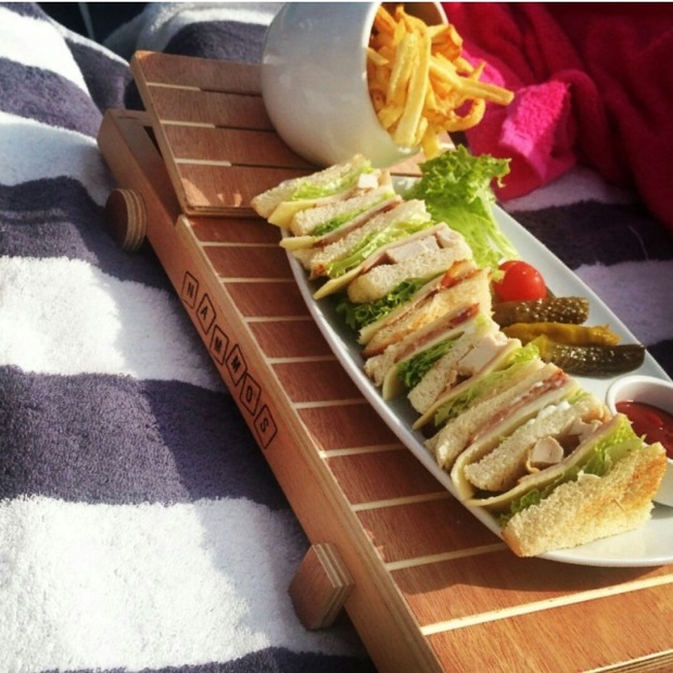 club-sandwich-at-nammos-beach-bar