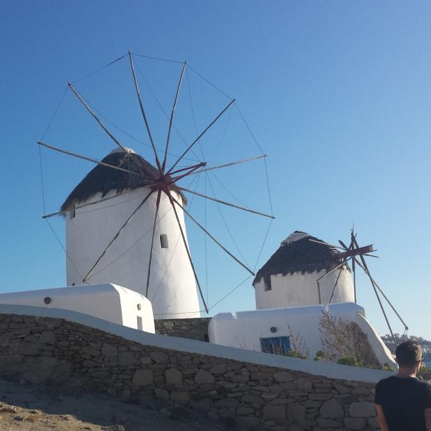 mykonos-town-windmills
