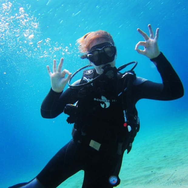 ok-signs-scuba-diving