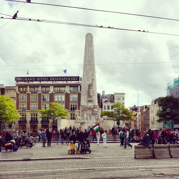 monument-dam-square-amsterdam