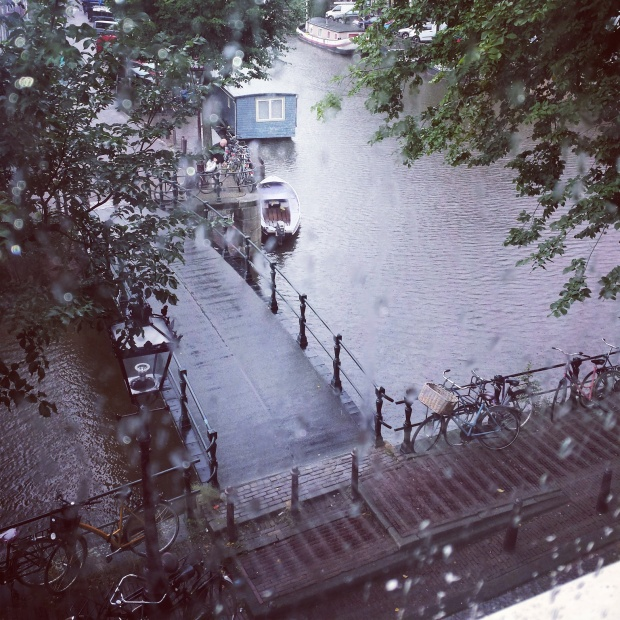 rainy-view-of-amsterdam
