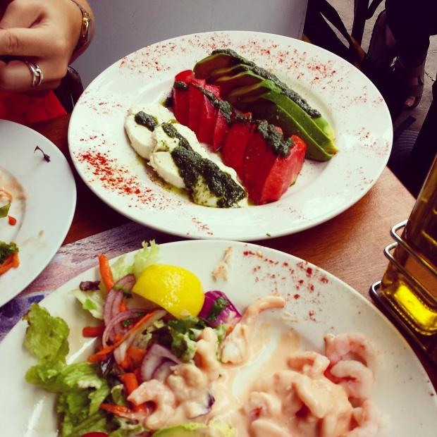 tomato-mozarella-avocado-salad