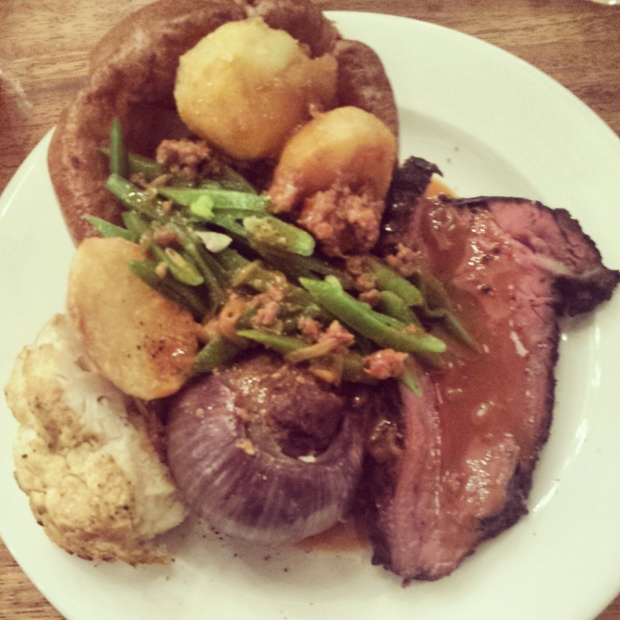 beef-roast-dinner-at-foxlow