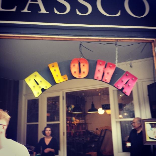 lassco-aloha-sign