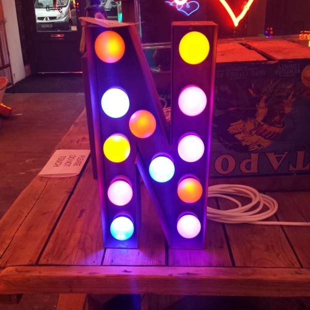 gods-own-junkyard-lights-of-soho (10)