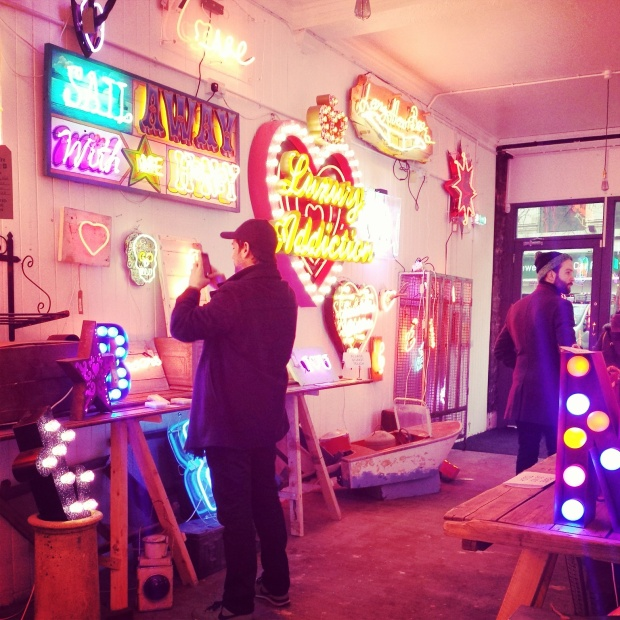 gods-own-junkyard-lights-of-soho (9)