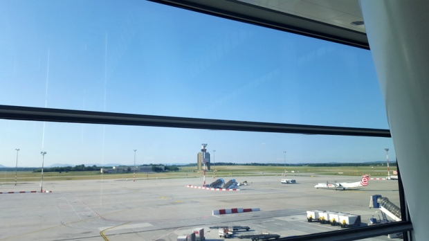 airport-view-budapest