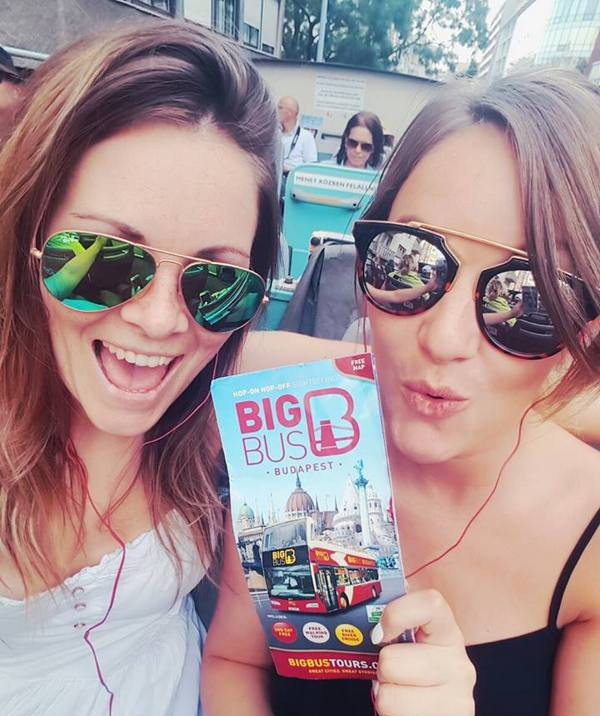 girls-on-big-bus-tour-budapest